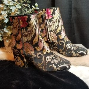 NEW Sam Edelman Floral Ankle Boots size 5